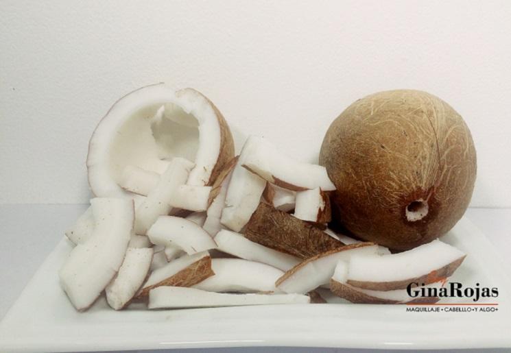 Aceite de coco hecho en casa por Gina Rojas