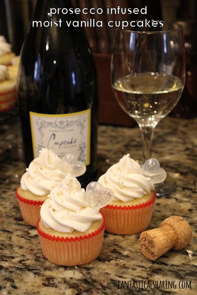 Prosecco Infused Moist Vanilla Cupcakes #recipe #cupcakes #prosecco #dessert