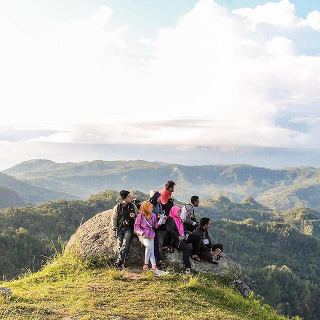 foto gunung lanang pacitan
