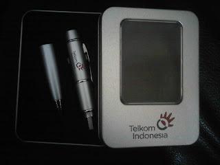 jual Pen Usb Laser Pointer – FDPEN07, USB/ Flashdisk + Pen + Laser Pointer Promosi / Souvenir / Hadiah / Gift / MerchandiseUSB / Flashdisk + Ballpoint / Pen + Laser Pointer.