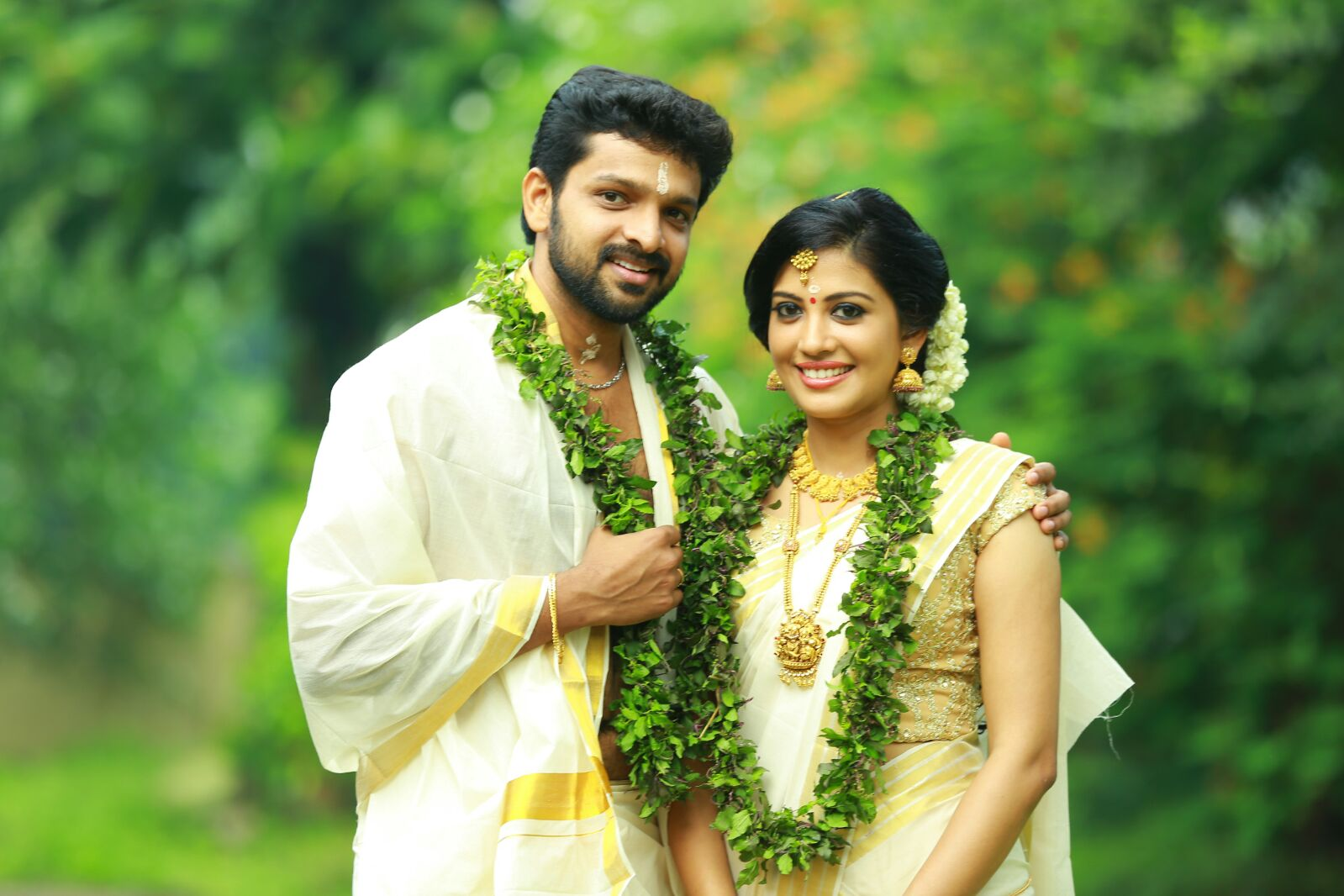 Sshivada Nair  Murali Krishnan Wedding Gallery  Gethu Cinema. Rugged Wedding Rings. Classical Rings. Starburst Engagement Rings. Frog Rings. Sonar Engagement Rings. Cute Little Wedding Rings. Kays Engagement Rings. Amber Engagement Rings