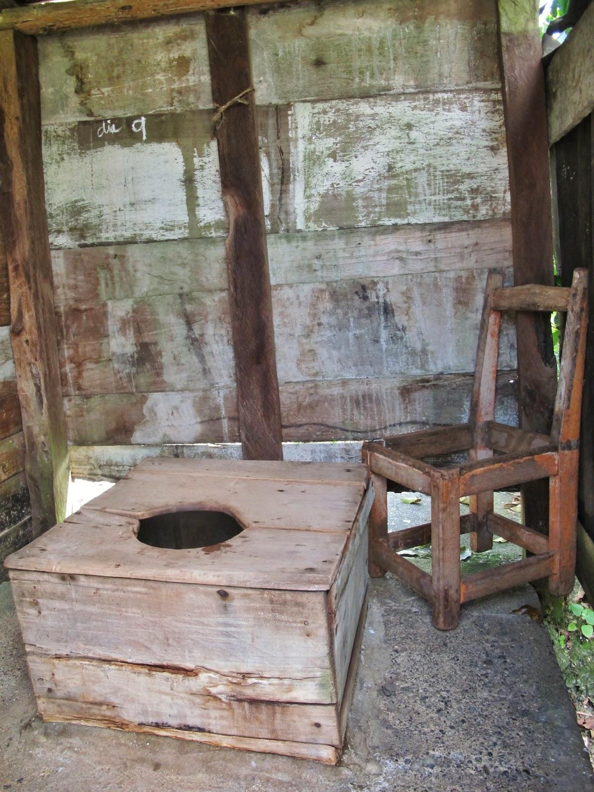 Banheiro na estrada para Baracoa, no oriente de Cuba.