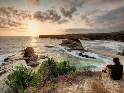 wisata pantai klayar, pantai klayar pacitan