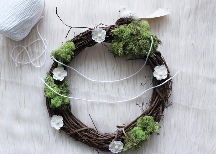 Teacher Appreciation Wreath gift by @thehooknook