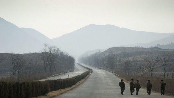 Dos Coreas reanudan comunicación terrestre después de 14 años