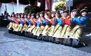 Rateb Meuseukat: Traditional Dance Of Aceh (Indonesia)