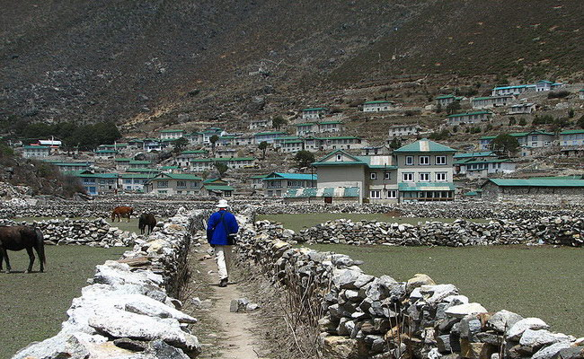 www.xvlor.com Khumbu is Everest Region and Sherpa villages in Himalayan valley