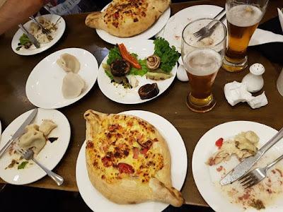 Khachapuri, comida georgiana