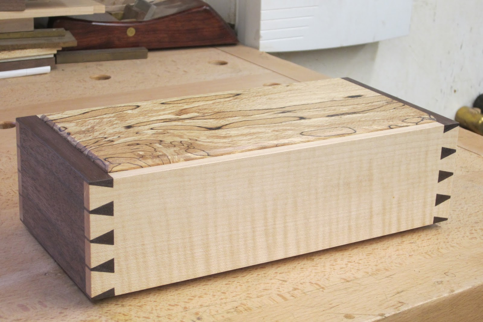 David Barron Furniture: Box For Dovetailing Course