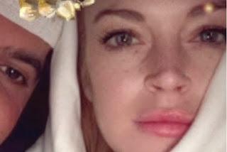 Dalam Instagram Lindsay Lohan Unggah Foto Kenakan Jilbab Putih