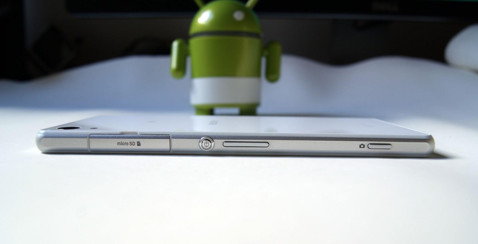 Sony Xperia Z2 - perfil y grosor - con botón cámara y puertas estanco