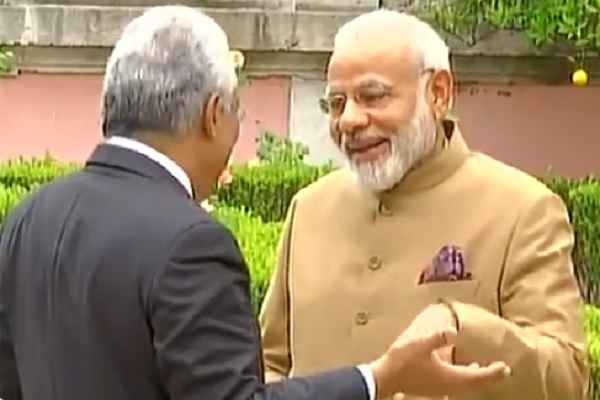 pm-narendra-modi-and-antonio-costa-meet-modi-landed-portugal