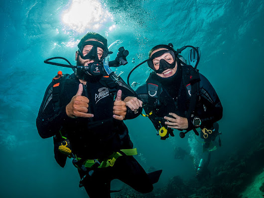 Go for Amazing Trip of Diving Australia & Get the Strange Company of Underwater Species