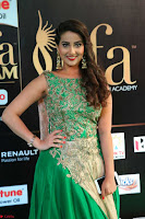Manjusha in Beautiful Sleeveless Green Anarkali dress at IIFA Utsavam Awards 001.JPG