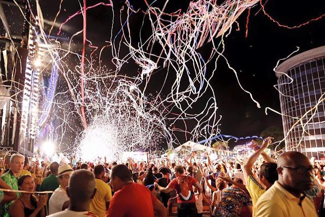 Assista Ao Vivo o carnaval do Recife direto do Marco Zero