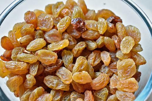 किशमिश खाने से ये 4 रोग जड़ से समाप्त हो जाते है health benefits of raisins