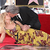 Goldie Hawn and Kurt Russell get stars on the Walk of Fame – fixed with a kiss