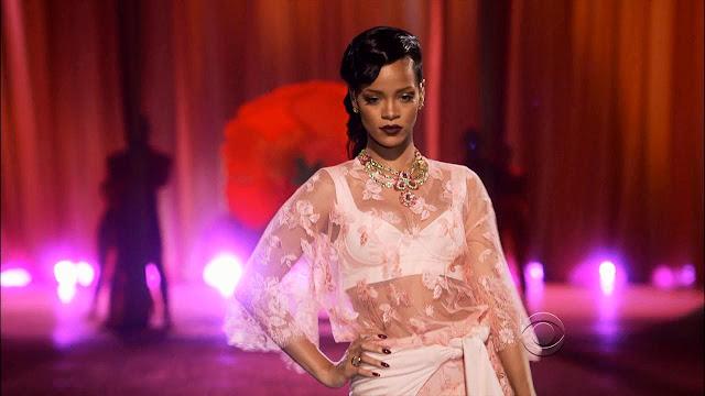 Rihanna Phresh Out The Runway MP3, Video & Lyrics
