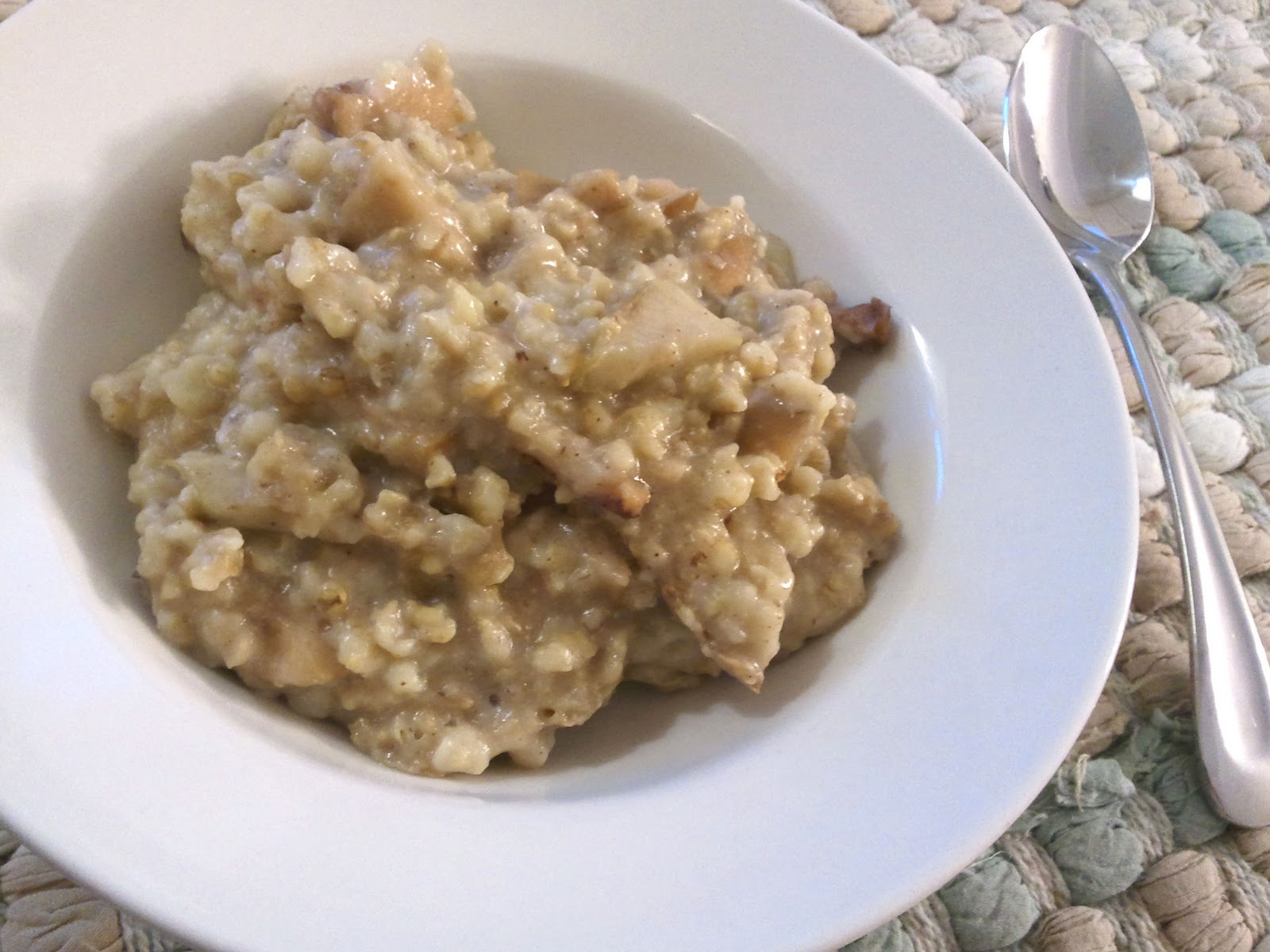 A Busy Mom's Slow Cooker Adventures: Apple Cinnamon Oatmeal