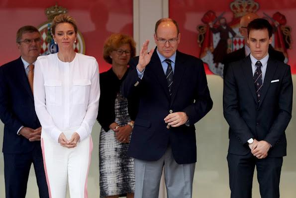 Prince Albert and Princess Charlene attends the Monaco Formula 0ne Grand Prix at Circuit de Monaco. Daniel Ricciardo of Australia and Red Bull Racing and Lewis Hamilton of Great Britain, Sergio Perez of Mexico and Force India, Mercedes AMG Petronas F1 Team's British driver Lewis Hamilton