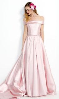 vestido de fiesta con hombros caidos en saten rosa 2018