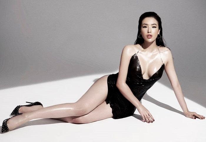 Top 25 Hoa hậu siêu Quốc gia Khánh Phương khoe đường cong hình chữ S trong bộ ảnh mới - Ảnh 1