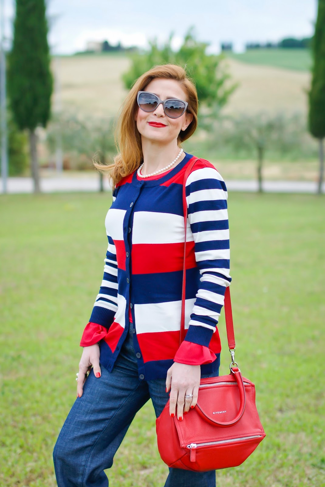 Preppy style outfit with Smash! Durer cardigan on Fashion and Cookies fashion blog, fashion blogger style
