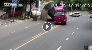 شاهد بالفيديو  هاد السائق مادا فعل