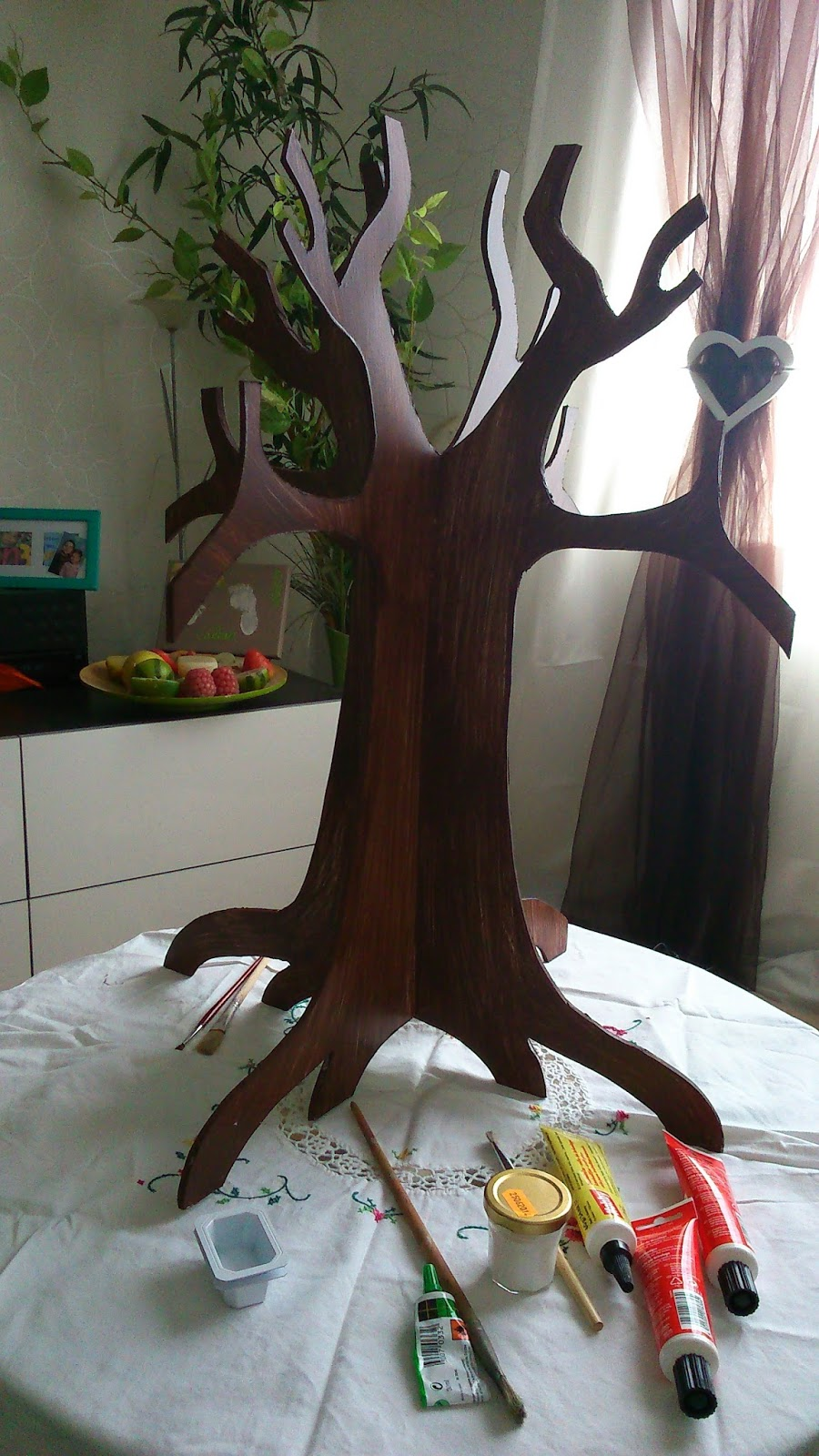 anelore scrap cie fabriquer un arbre en carton plume et papier cr pon. Black Bedroom Furniture Sets. Home Design Ideas