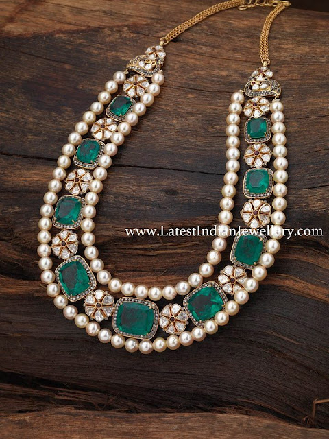Large Emeralds Stylish Necklace