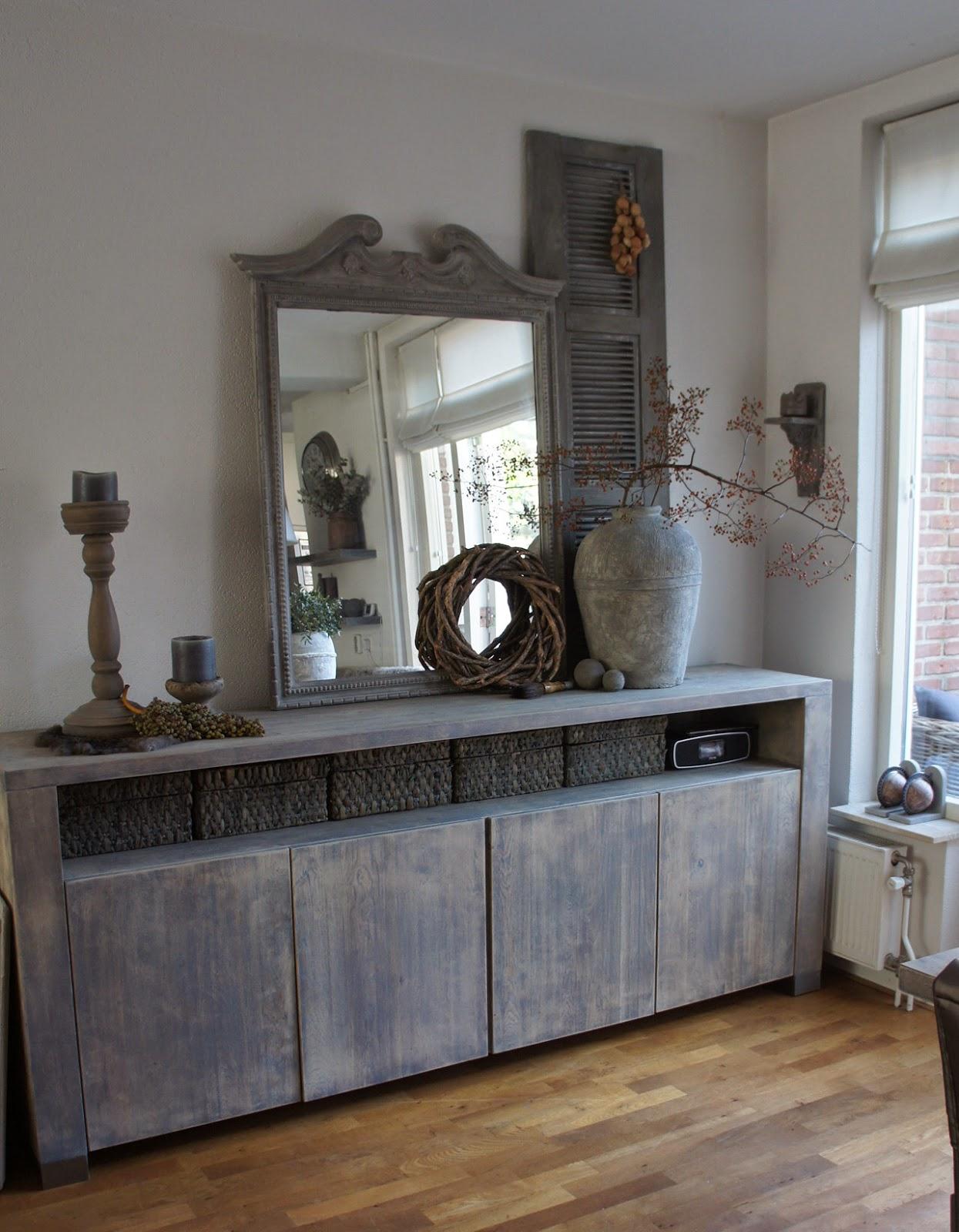 Afbeeldingsresultaat voor spiegel op dressoir