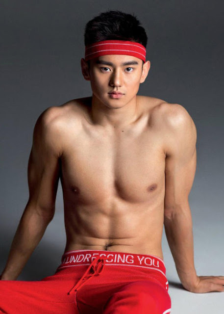 Internet goes wild for handsome Chinese Olympic swimmer Ning Zetao
