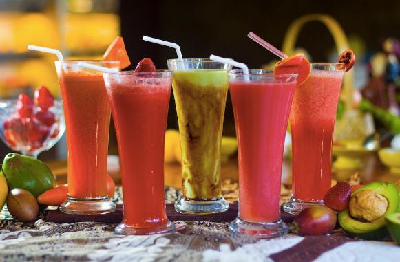 Mitos Minuman yang Tak Harus Kamu Percaya