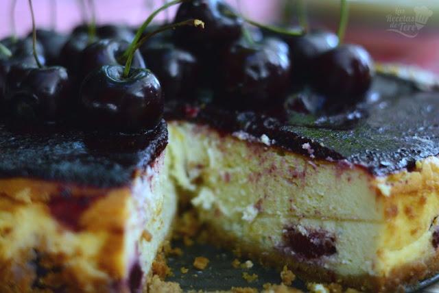 Tarta de quesos con picotas y cerezas 03