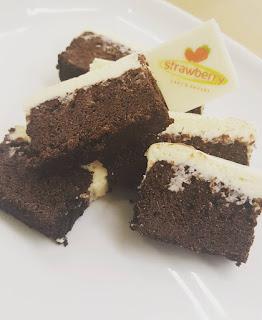 birthday cake cirebon, toko kue cirebon, cake shop cirebon, cake cirebon, brownies, strawberry delight
