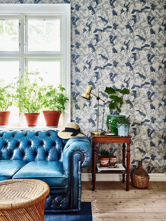 a-home-with-blue-details-in-sweden