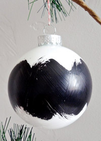 DIY Brushstroke Ornament
