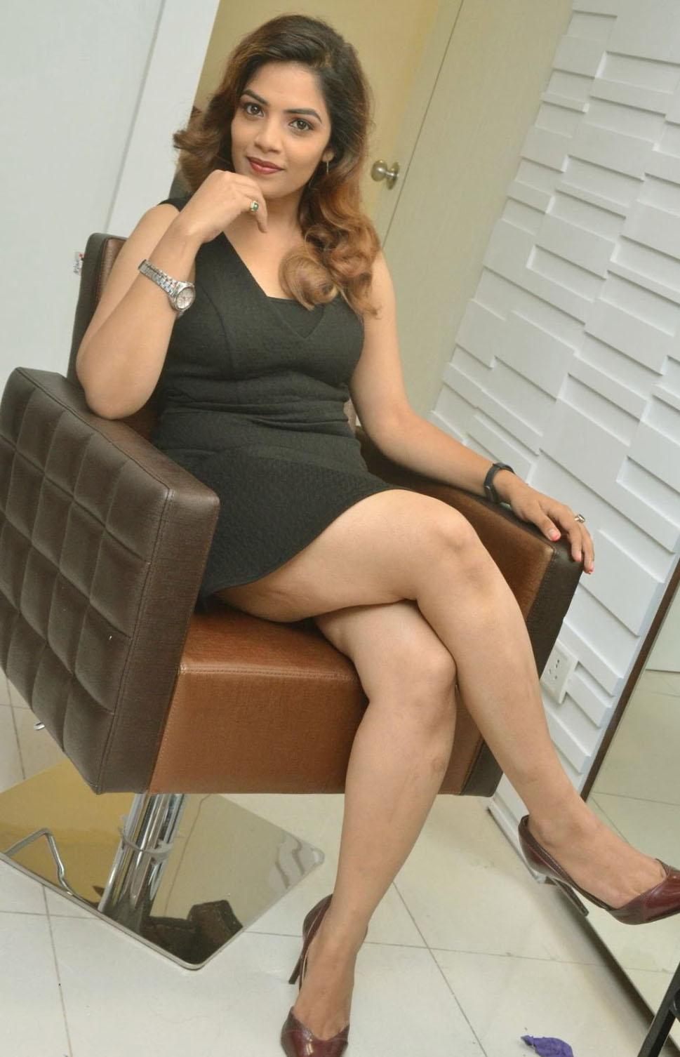 Beauty And The Beast Movie Actress Anamika Black Mini -3515