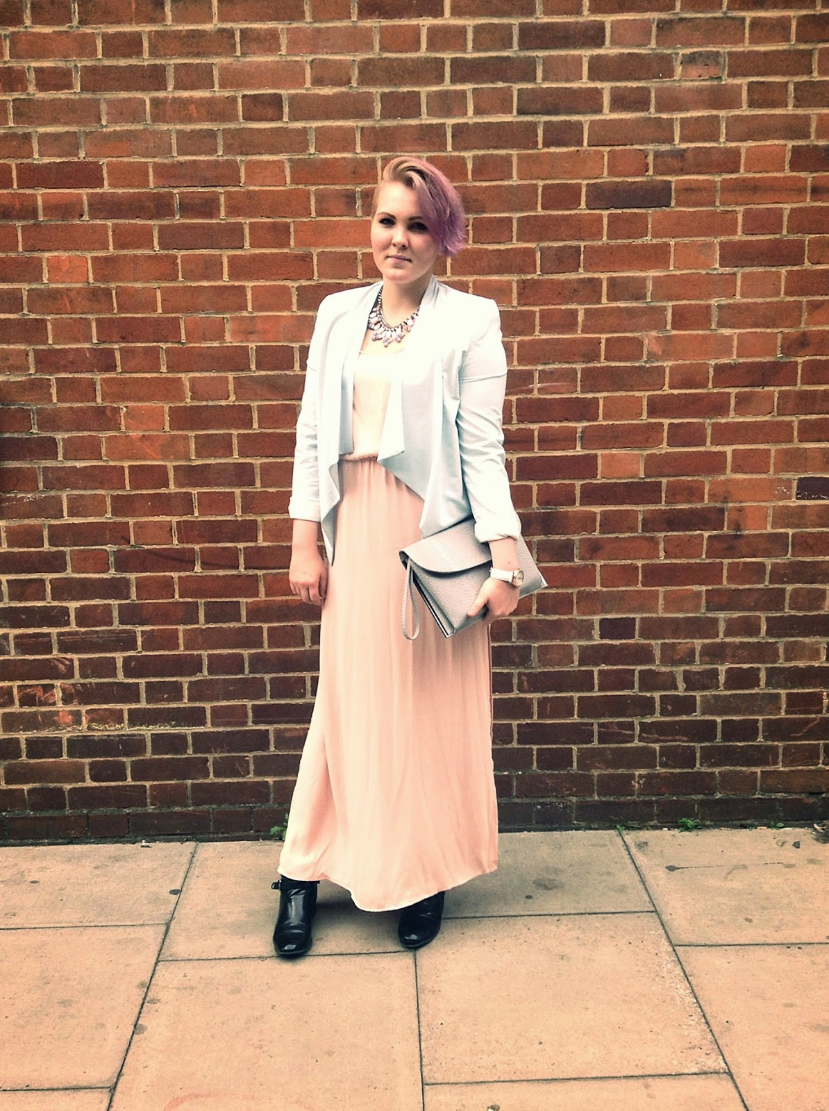 London fashion week street style pastel outfit