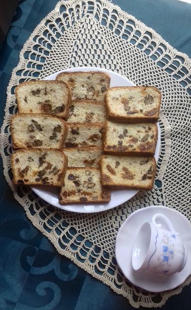 Recept za kolač sa belancima i suvim voćem komizbrot