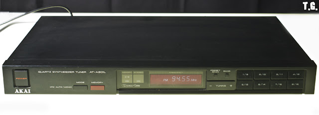 Quartz Synthesizer Tuner AKAI AT-301 L
