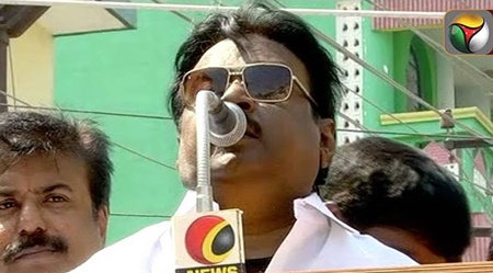 Somebody Throw stone towards stage during Vijayakanth speech in DMDK protest | #FireworkersProtest