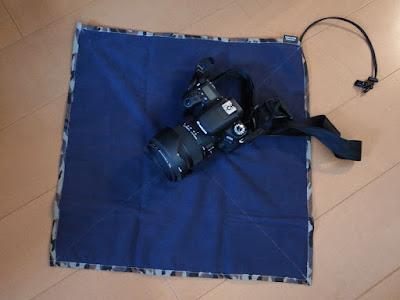 ハクバ カメララップ M カモフラージュグレー JAN:4977187336405 品番:KCW-MCMG