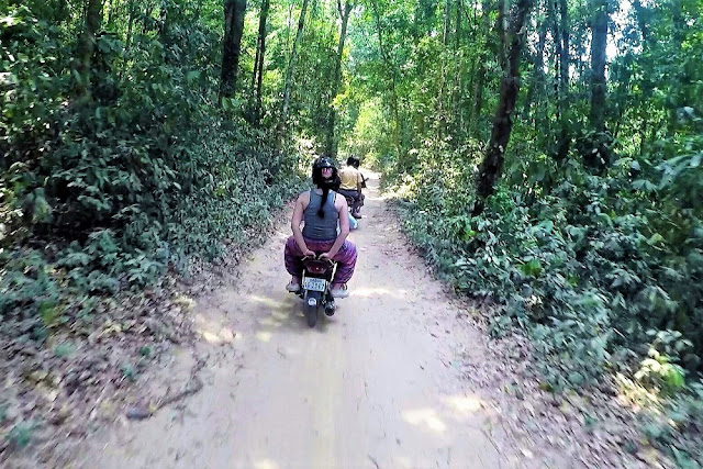 Motorbike tour on Phnom Kulen mountain, Cambodia - travel blog