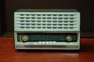Dijual Radio philips tabung display mulus.