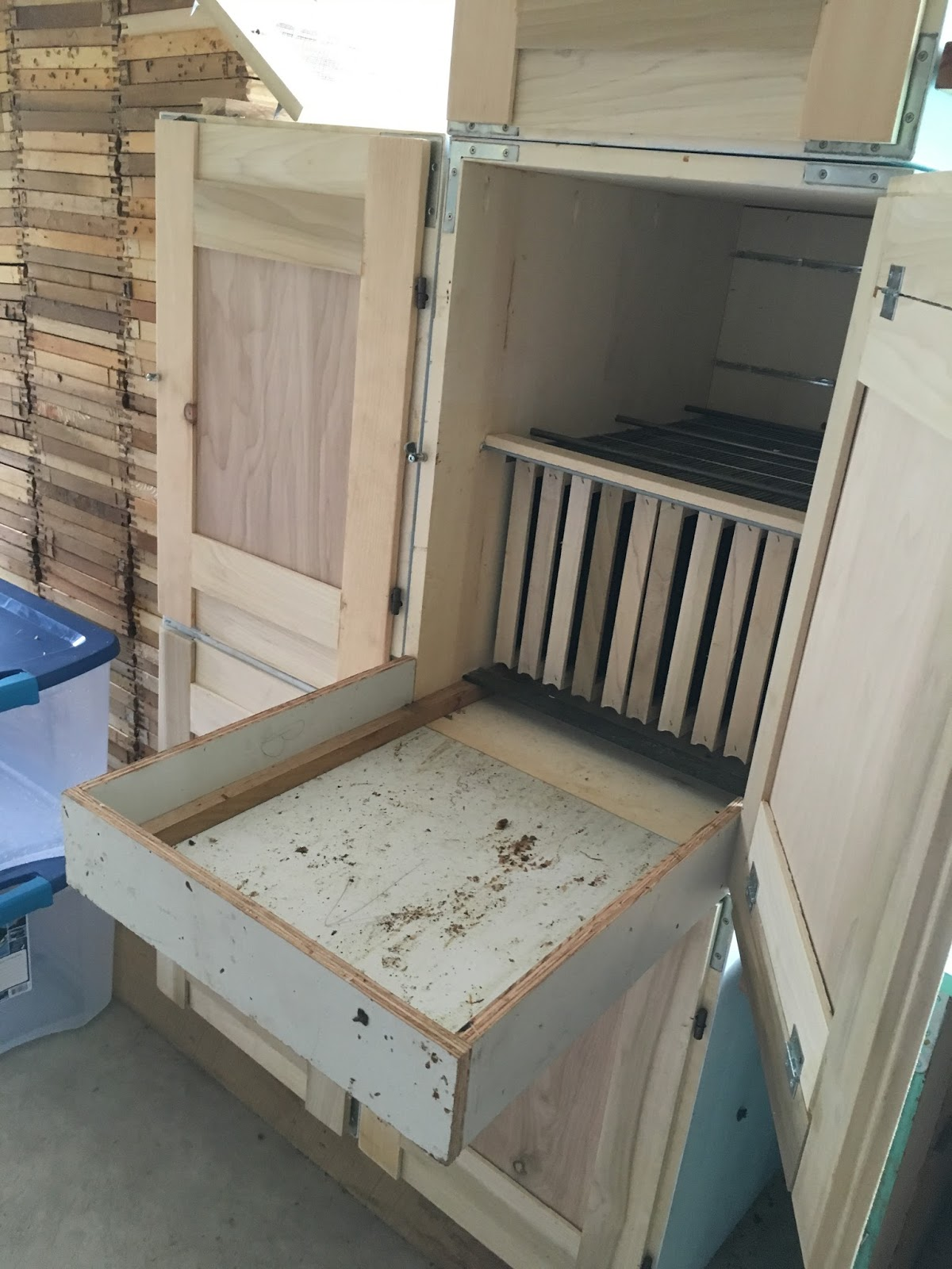 feeder top use bee feeders blog ii how backyard part hive to a