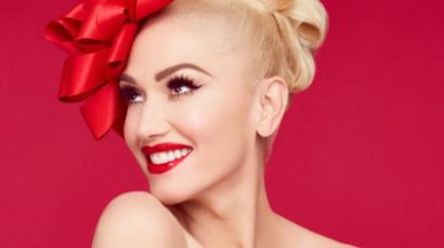 Gwen Stefani looking for a Christmas hit