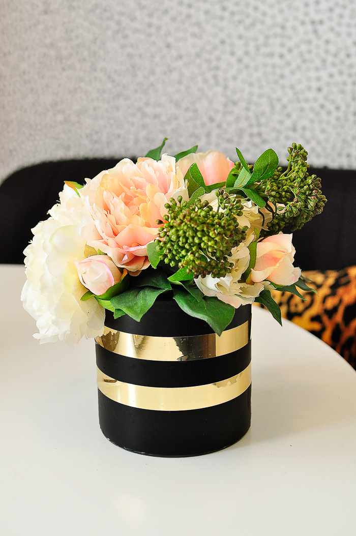 DIY Kate Spade inspired vase. A $100 dining space makeover in a small apartment. Bold, glam design and ideas that are perfect for renters and small space living.