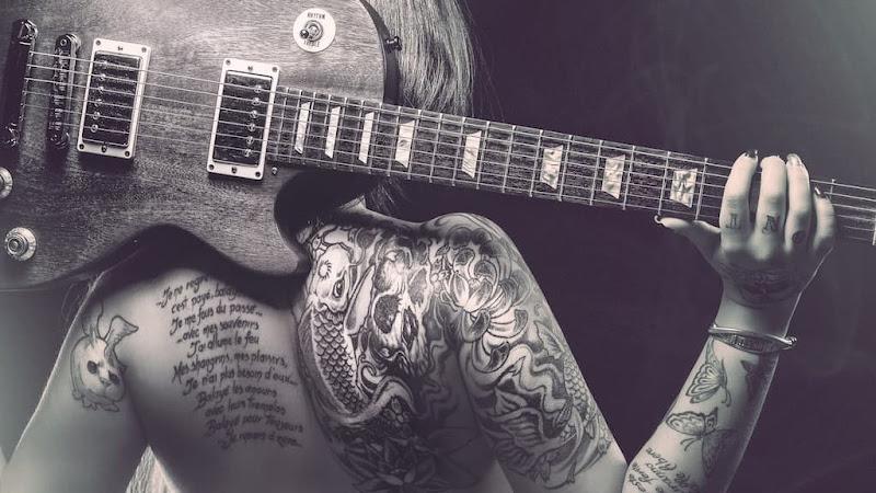 #368 Tocando la guitarra