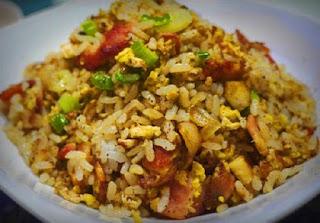 Membuat Nasi Goreng Ikan Asin Gurih dan Lezat